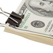 Утверждение нового законопроекта позволило доллару укрепиться