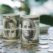 На фоне коррекции отмечается удорожание доллара